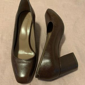 MNZ shoes size 37